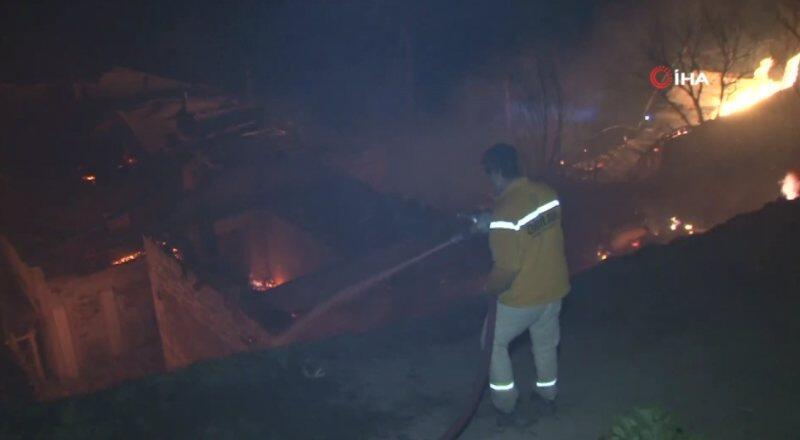 Araklı'da 7 ev yandı   Video