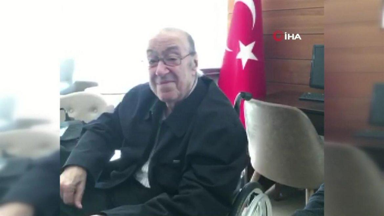 Dündar Osmanoğlu için gıyabi cenaze namazı kılındı