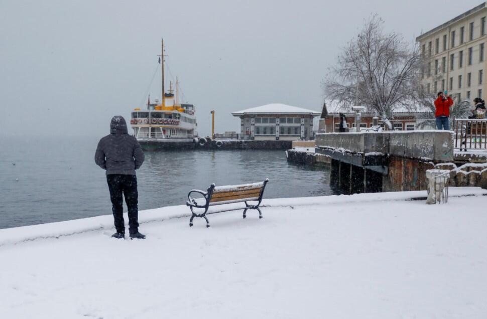'İstanbul'a 1987 karı yağacak' yorumlarına Meteoroloji'den yanıt: O kış bu kış değil