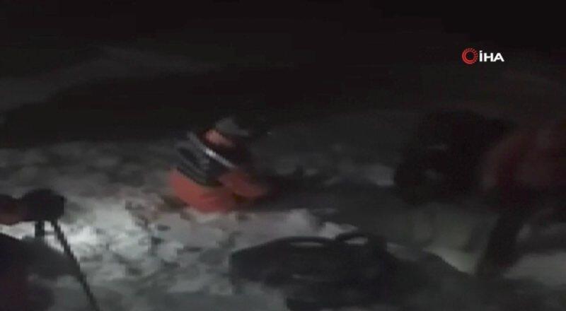Kaybolan 8 dağcı 9 saat sonra donmak üzereyken bulundu | Video