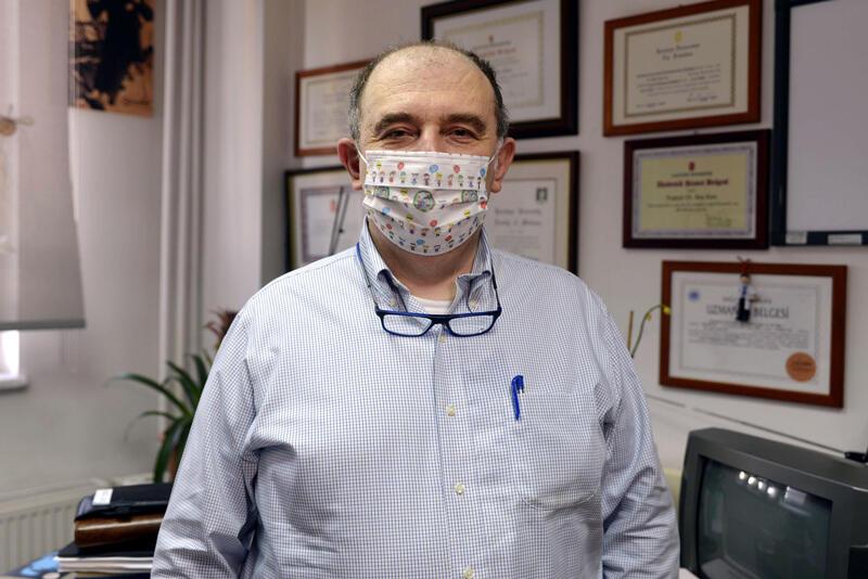 Bilim Kurulu üyesi Kara'dan, mutasyonlu virüste çift maske uyarısı