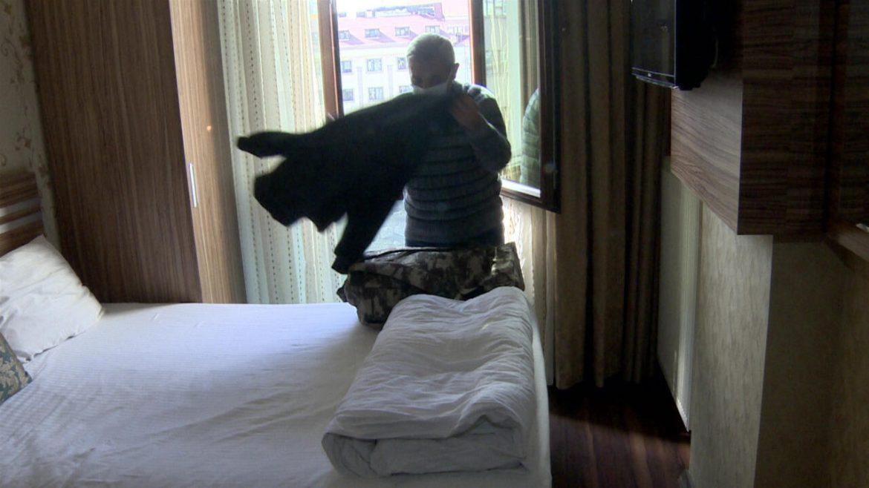 Evsiz vatandaşlar otele alındı