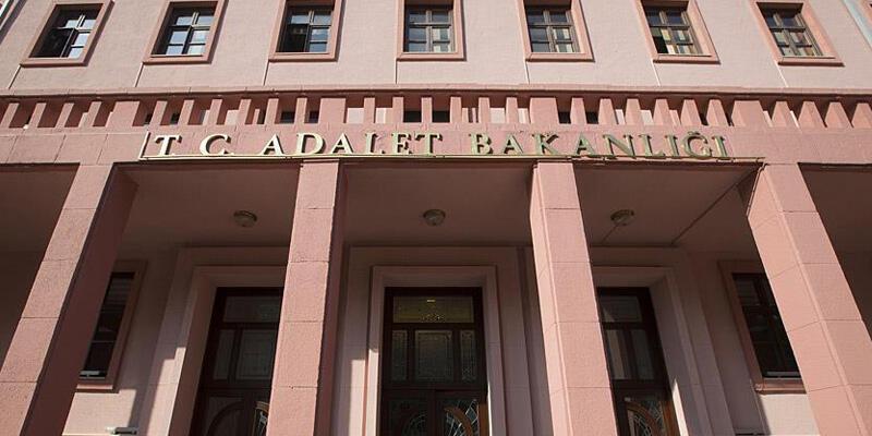 Adalet Bakanlığı, kapanma nedeniyle yazılı ve sözlü sınavlar ertelendiğini duyurdu