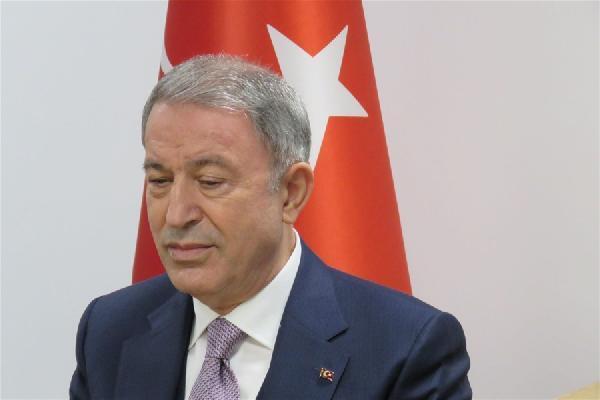 Bakan Akar, Londra'da 'Türkiye'nin Stratejik Perspektifi' oturumuna katıldı