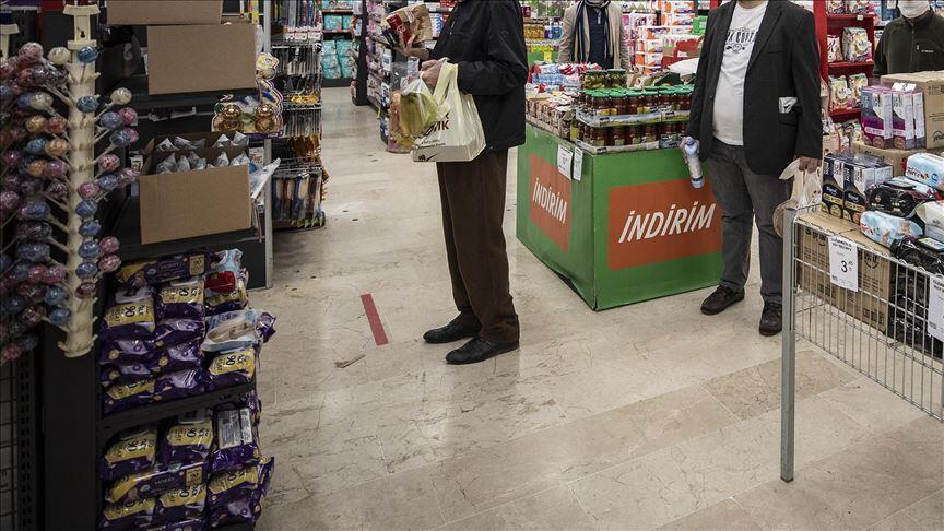 İstanbul Valisi Yerlikaya: AVM ve zincir marketler saat 17.30'da kapanacak