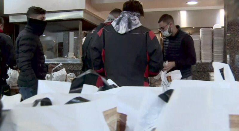 Lokanta ve restoranlar iftar için yoğun çalışıyor