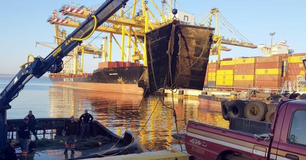 Marmara Denizi'nde kaçak avcılıkta kullanılan trol kapıları bulundu
