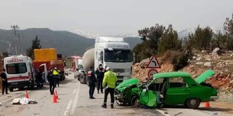 Muğla'da otomobil ile TIR çarpıştı: 2 ölü