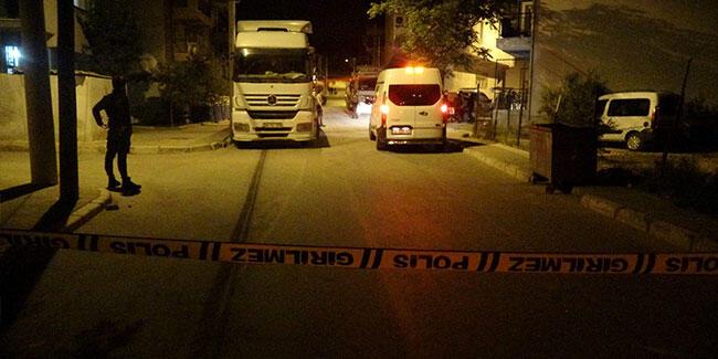 İzmir'de akrabalar arasında silahlı kavga: Yaralılar var