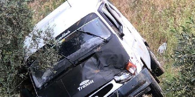 Yolcu minibüsü uçurumdan yuvarlandı: Çok sayıda yaralı var