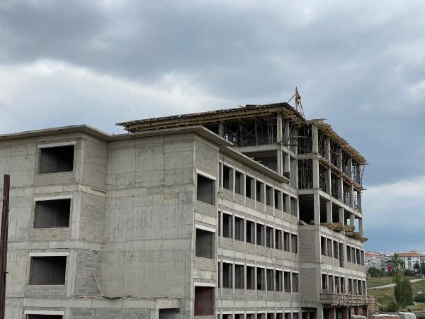 Ankara'da okul inşaatında iskele çöktü: 2 kardeş öldü