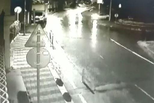 2 saldırgan siteye kurşun yağdırdı