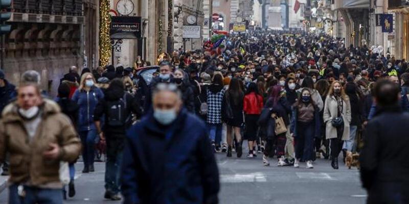 İtalya'da son 24 saatte 3 bin 117 Kovid-19 vakası kaydedildi
