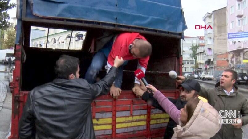 Adliyeden firar etti, kamyonet kasasında yakalandı